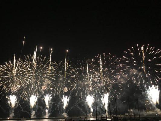 ランハート(株)・熱海花火・迫力・大空中ナイアガラ